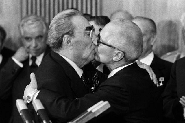 Никсон гомосексуалист