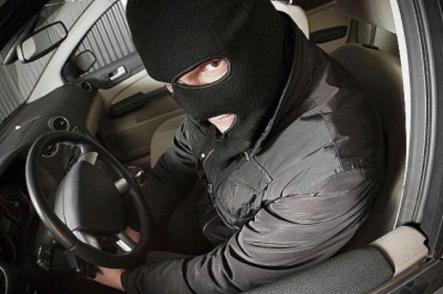 ВРыбинске схвачен подозреваемый вугонах авто