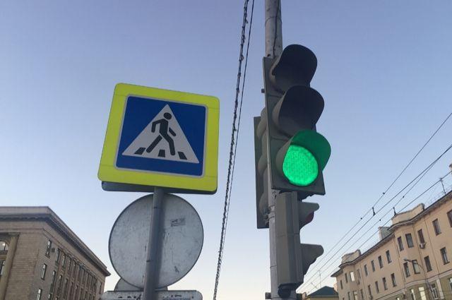 Авария произошла на светофоре