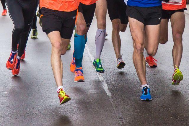 Наши спортсмены были сильны в беге.