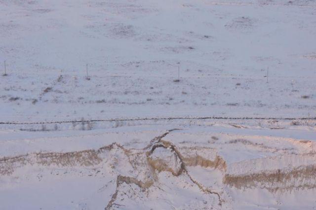 Работа Березняковского карьера в Челябинской области угрожает магистральному нефтепроводу и безопасности населения.