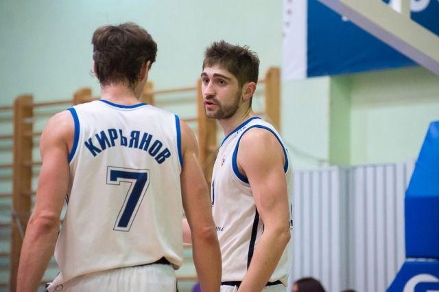 «Иркут» проиграл навыезде, однако остался вторым— Баскетбол