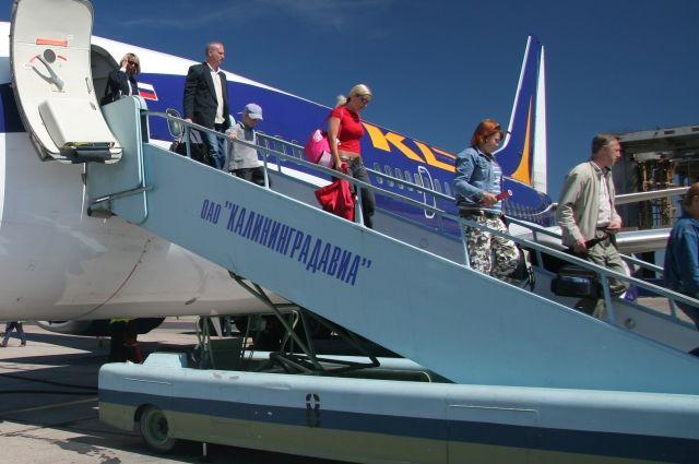 Вводятся дополнительные авиарейсы из Москвы и Петербурга в Калининград.