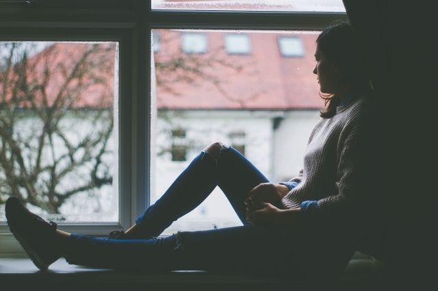 Показательные симптомы депрессии: бессонница, отсутствие аппетита, болезненное самокопание и угнетенное состояние в течение месяца.