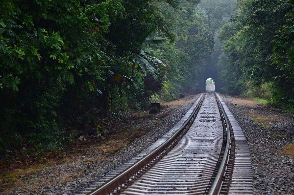 Последним в рейтинге лучших фотографий архитектурных строений стало сооружение панамской железной дороги, которая играет важную роль для жителей тех регионов