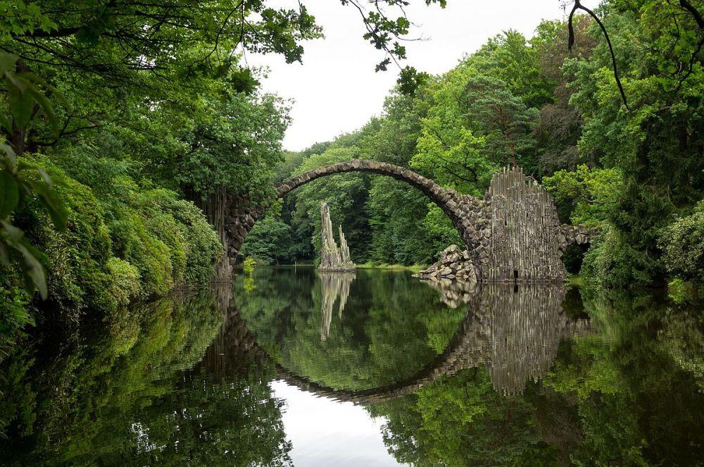 Это, так называемый, «Чертов мост», который находится в Германии. Фото расположилось на 14-м месте