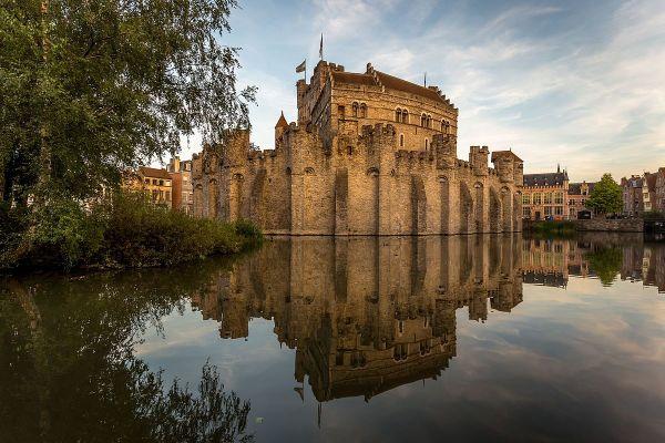 Двенадцатое место занял графский замок Гравенстен в Бельгии
