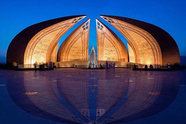 Пакистанский монумент в виде цветка занял в рейтинге лучших фото шестое место. Находится это строение в Исламабаде