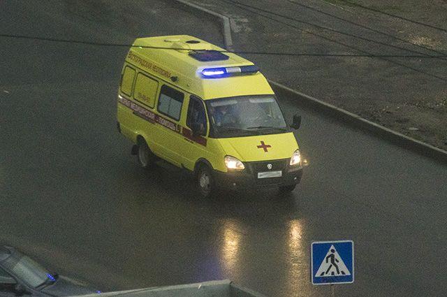 Автомобиль скорой помощи спешил на вызов и попал в аварию