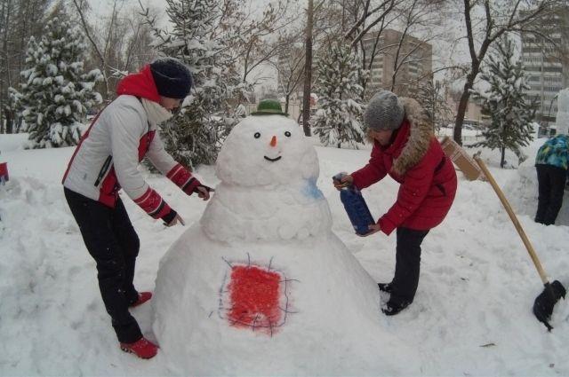 Снеговика нужно было слепить за 60 минут.