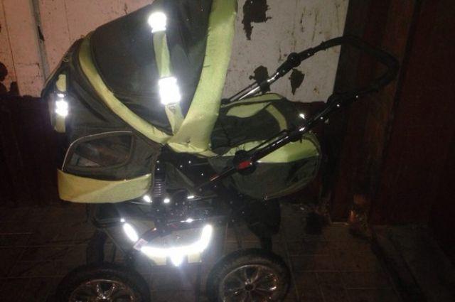 Нетрезвый красноярец похитил коляску исдал еевломбард