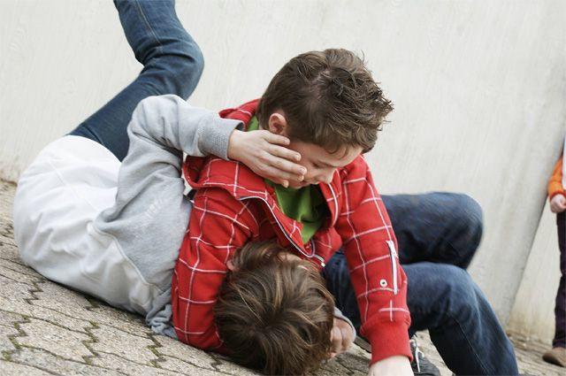 Ребенок ударил коленом вголову сверстника инокаутировал молодого человека
