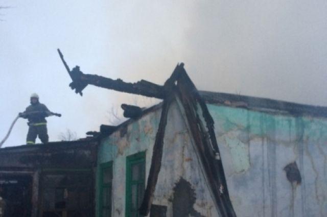Личный дом вБогородицком районе лишился крыши из-за пожара