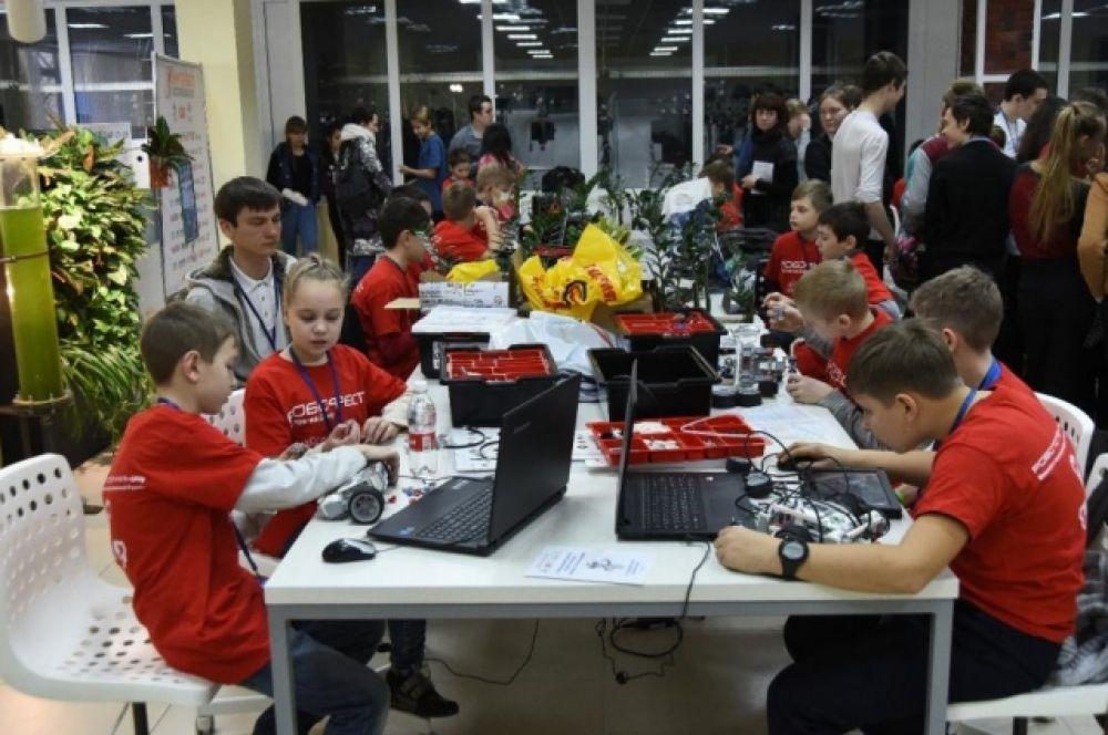 Участники представляли Ростовскую область, Краснодарский и Ставропольский края, Адыгею, Волгоград и Северную Осетию.