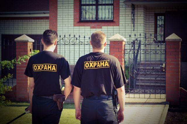 ВНовосибирске вторгово-развлекательном центре гостям устраивали нелегальные досмотры