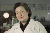 На фото середины 1960-х годов Зинаида Ермольева – создательница отечественного аналога антибиотика.