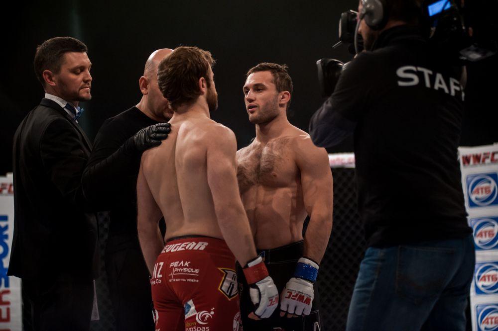 Как и в боксе, тут тоже любят посмотреть друг другу в глаза
