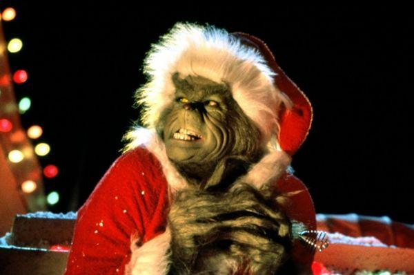 «Гринч – похититель Рождества» режиссера Рона Ховарда, рассказывающий об отшельнике Гриниче, который ненавидел Рождество и однажды решил украсть этот праздник у людей. Сборы в прокате: $260 млн