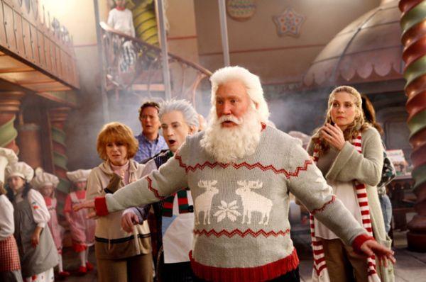 «Санта Клаус 3» — последняя часть фильмов о Санте. По сюжету Санта, рискуя выдать тайну Северного полюса, приглашает своих родственников отпраздновать Рождество, а заодно и предстоящее появление на свет сына Клауса, которого вот-вот должна родить его жена. Сборы в прокате: $84,5 млн