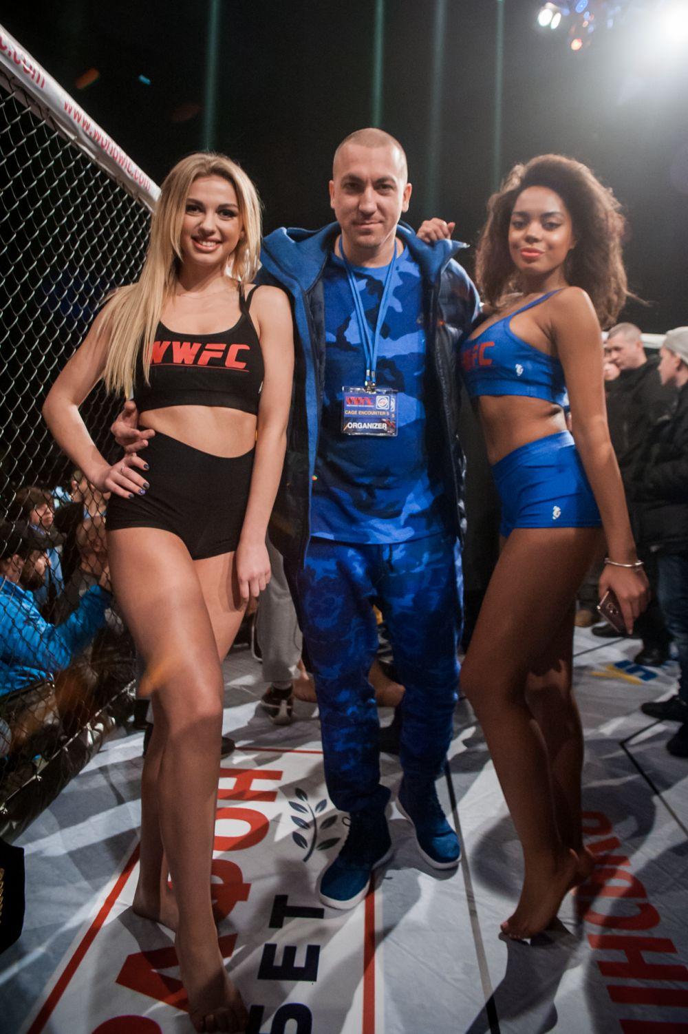 Медиа директор турнира CAGE ENCOUNTER 5 и известный украинский рэп исполнитель XL DELUXE в компании красоток