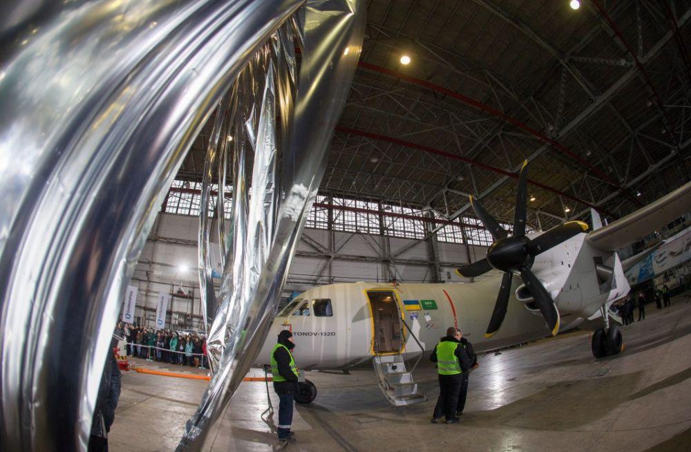 Кроме заказчиков из Саудовской Аравии, к строительству подключились ведущие компании мировой авиационной отрасли из Канады, Великобритании, США, Германии и Франции