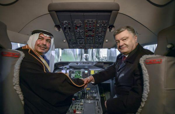 От своего предшественника новый самолет будет также отличаться рядом преимуществ: новейшей авионикой,