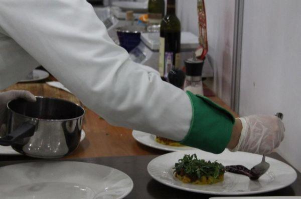 На конкурсе разгорались настоящие страсти: оценивалась всё - умение оформление блюд, рецептура и скорость.