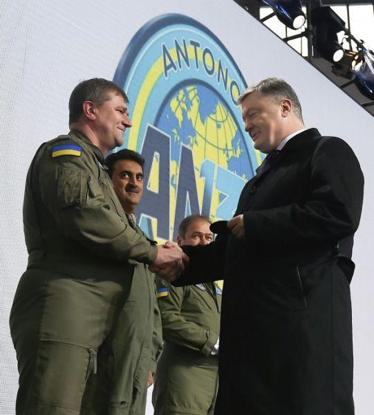 У Порошенко отмечают, что сотрудничество между Украиной и Саудовской Аравией в авиационной сфере среди наиболее перспективных направлений развития двусторонних отношений