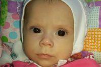 6 месяцев Алисия-Лисёнок боролась за жизнь и пока победила в этой борьбе. Все её будущие победы очень зависят от вас.