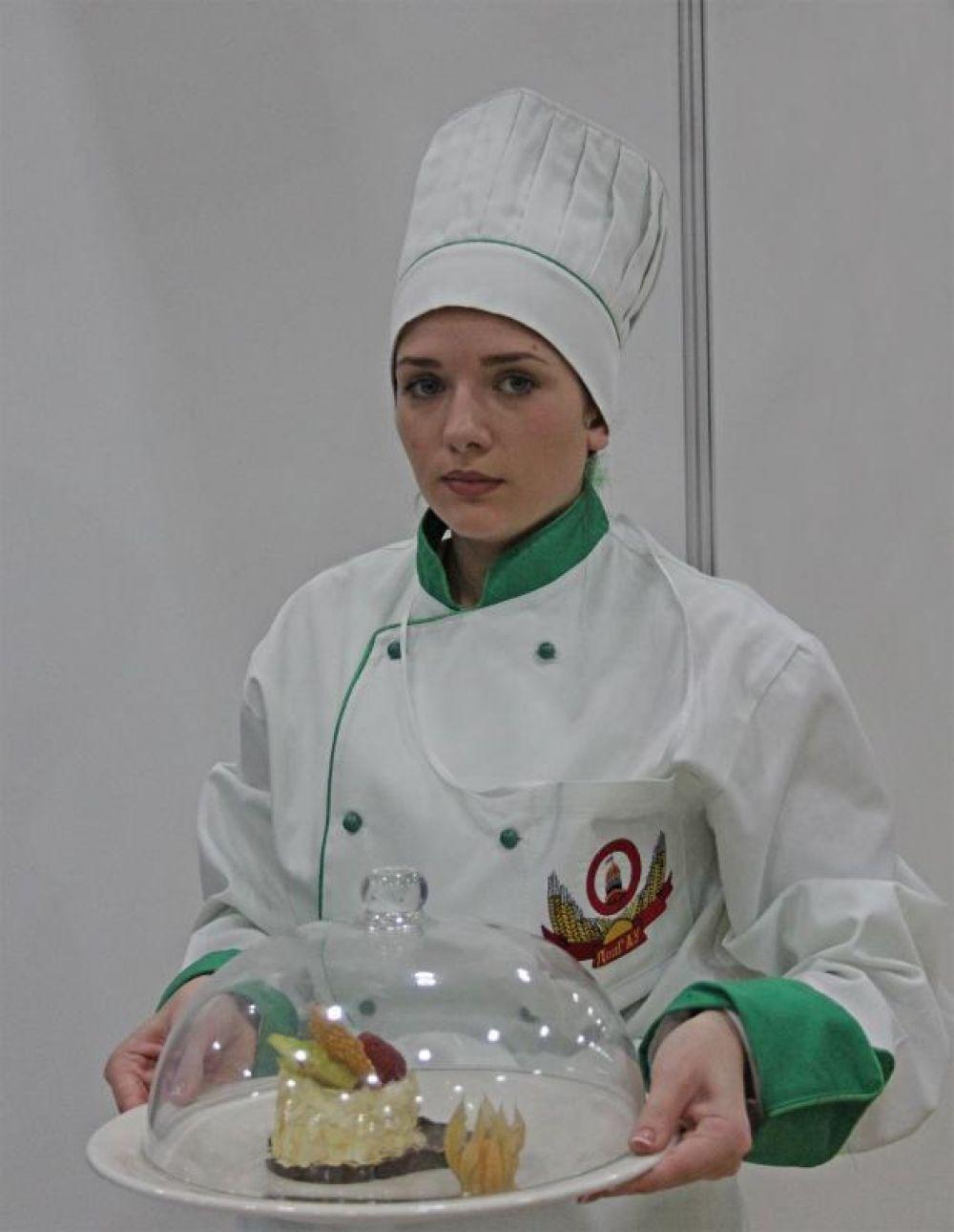 В отборочном туре кулинарного чемпионата «Chef a la Russe» победу одержала команда «Сборная Красной поляны» (Сочи).
