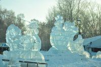 При создании ледяных фигур учитывается их безопасность.