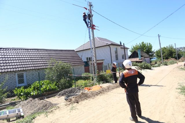 Камышане привыкли к качественному обслуживанию сетей местными энергетиками.
