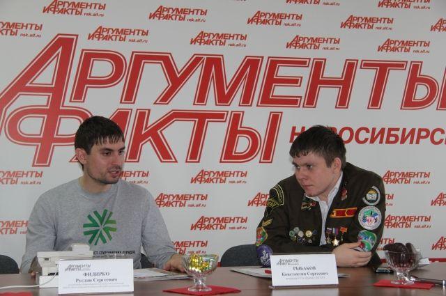Председатель Новосибирского регионального отделения МООО «РСО» Руслан Фидирко и командир студенческого отряда «Ермак» Константин Рыбаков (слева направо)