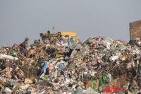Компания не пускала на свалку мусоровозы конкурентов.