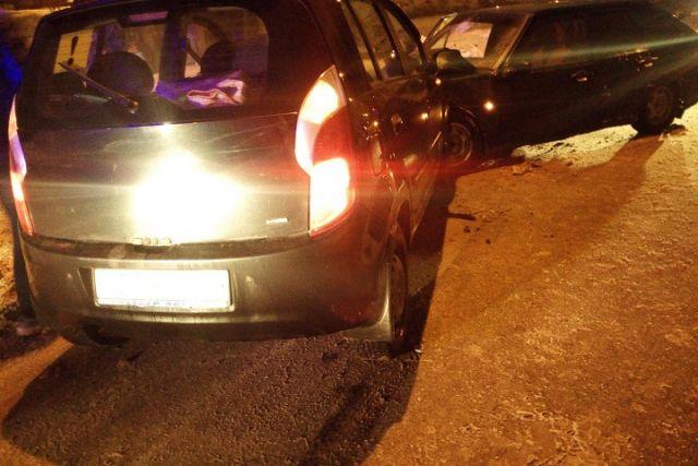 ДТП вВологде: Встолкновении иномарки с«ВАЗом» пострадали три девушки