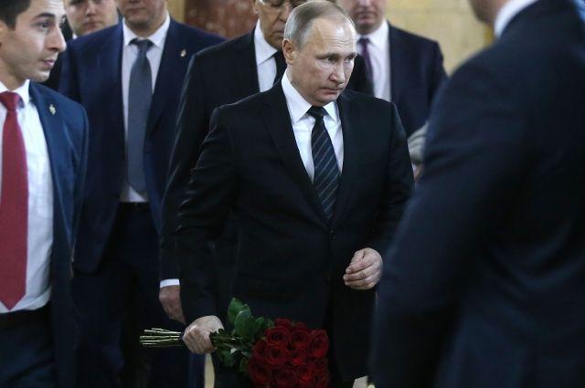 Прощание субитым вТурции послом Андреем Карловым прошло в столице