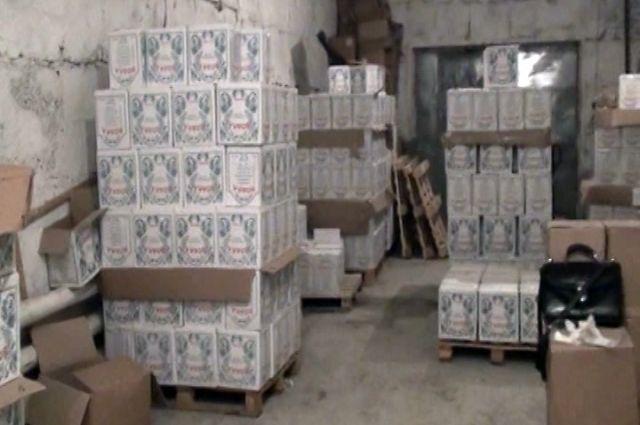В Кемерове закрыли два подпольных цеха по розливу алкоголя.