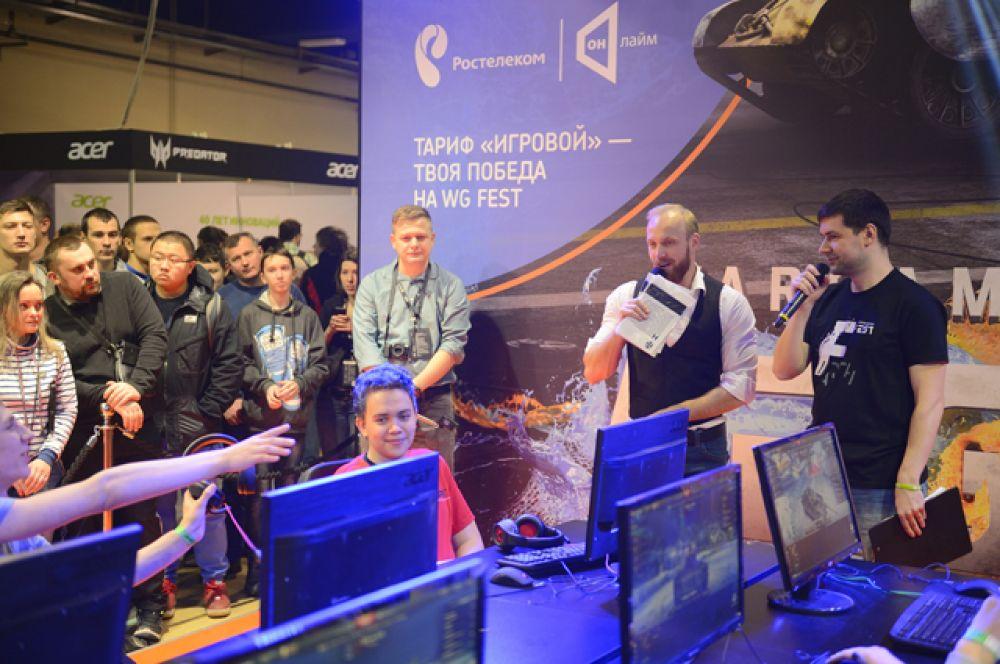 В специальных игровых зонах были представлены все продукты компании Wargaming – от World of Tanks до недавно анонсированного проекта Total War: ARENA.