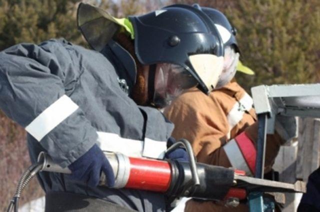 Спасатели разблокировали двери
