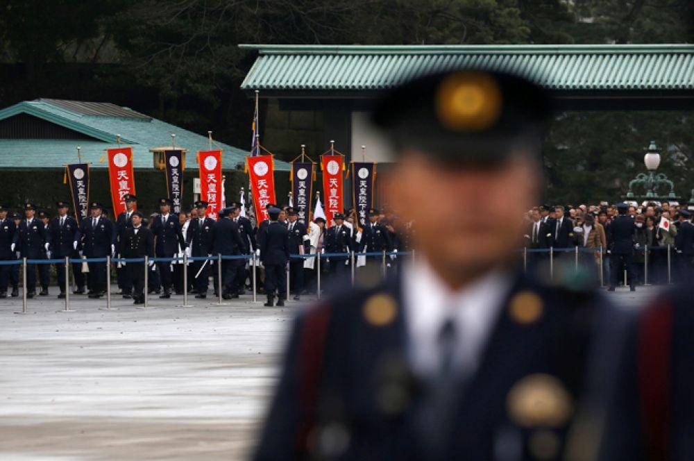Офицеры Имперской Гвардии на дне рождения императора.