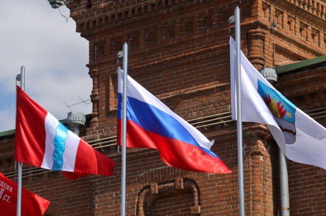 Общая сумма долга составляет 164 тысячи рублей.