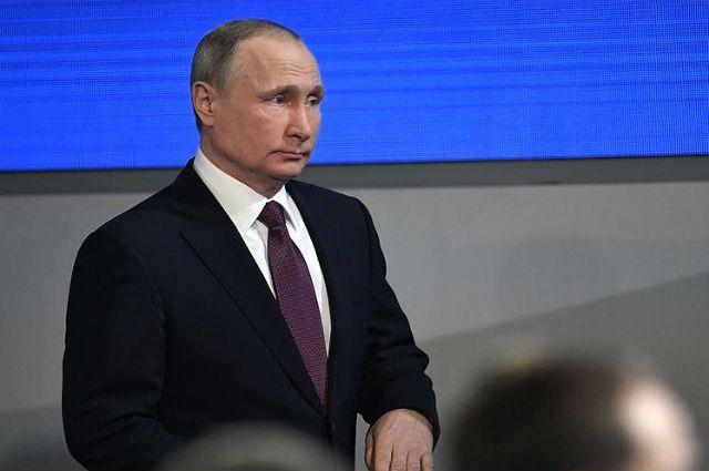 Владимир Путин утихомирил граждан России, ответив навопрос опенсиях
