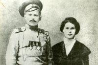 Василий Чапаев с первой женой Пелагеей Метлиной. 1916 г.