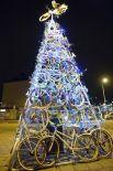 Ель из велосипедных колес в Польше.