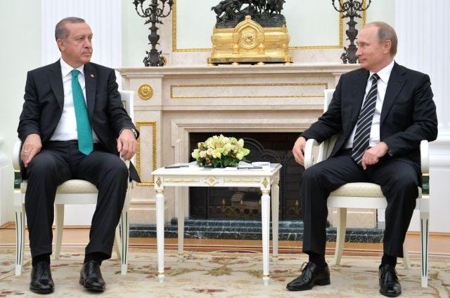 Эрдоган по телефону рассказал Путину о расследовании убийства Карлова