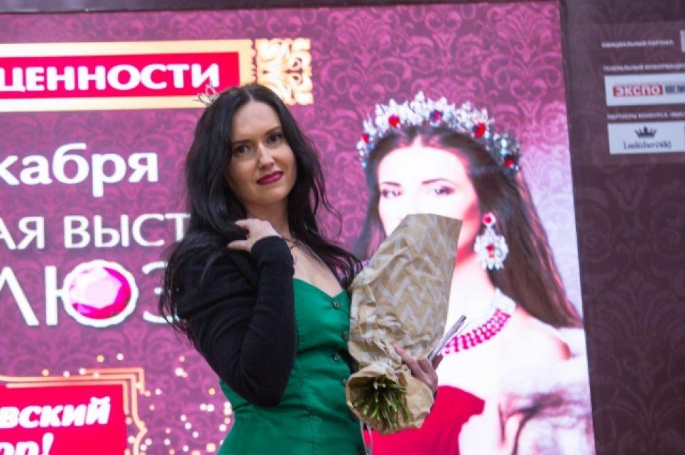 Но главным её украшением были участницы конкурса.