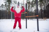 Суровые сибирские Дедушки разделись в мороз
