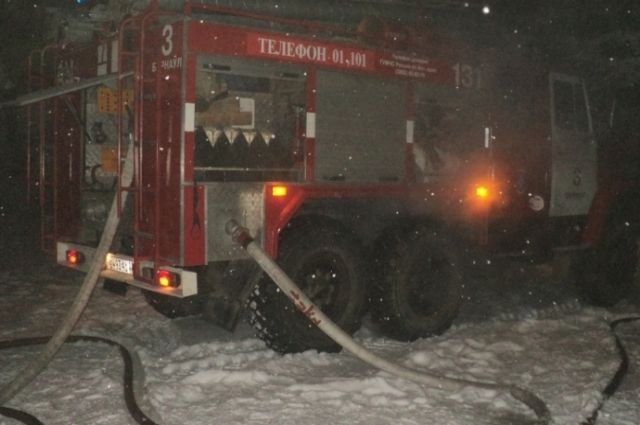 Огромных усилий стоило пожарным предотвратить распространение пожара на ул. Фурманова.