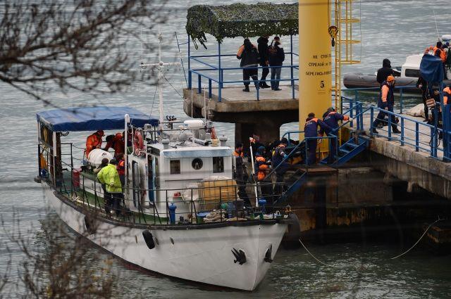Фото с места проведения поисково-спасательной операции в Черном море.