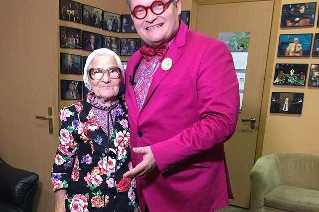 Дизайнер Васильев модно приговорил уроженку Оренбуржья бабу Лену